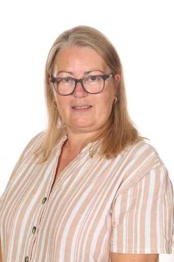 Mrs D Tunney - Teaching Assistant
