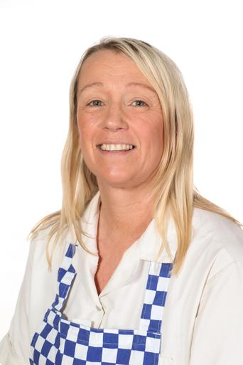 Miss E Shaw - Kitchen Manager / School Cook
