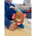 Making a Potato Head to write descriptive sentences about