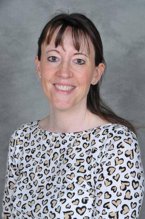 Mrs F El-Hashahar, Higher Level Teaching Assistant
