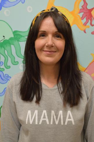Chloe Ellis- Teaching Assistant