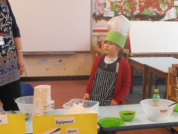 Master Chef at work! It's pancake day! (202KB)