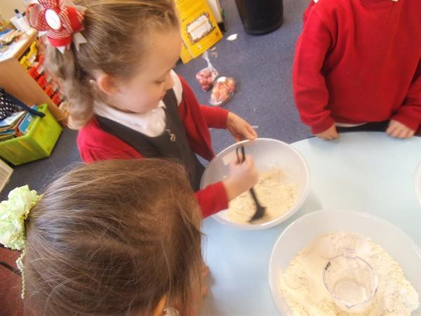 Now can we all have a go at making pancakes?