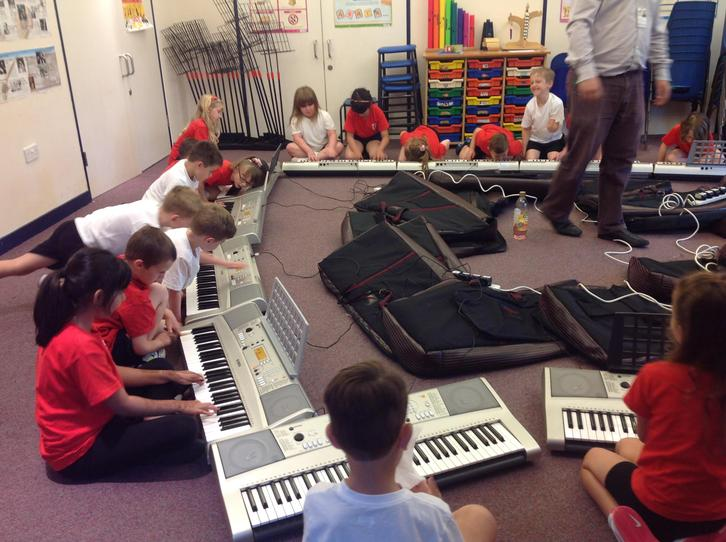 PPA music lessons delivered by Hampshire music service 'Listen to Me' 1