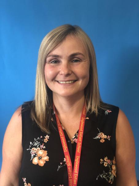 Mrs Hill- Senior Teaching Assistant