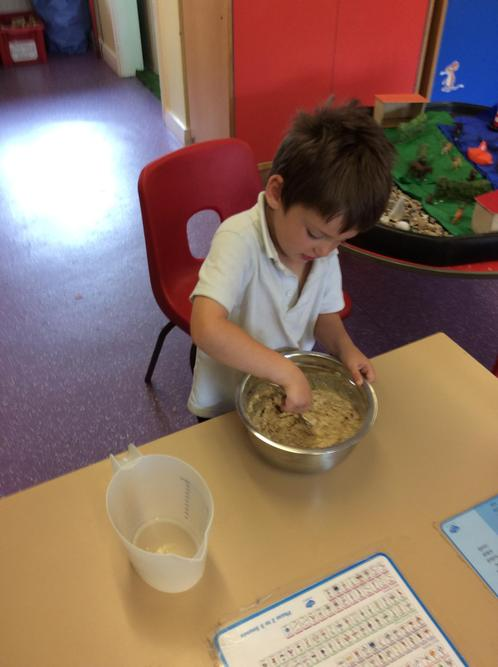 We made some bread. We had to mix the ingredients to make the dough!