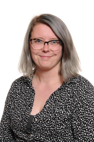 Mrs Davies - Year 5/6 Teacher, Behaviour Lead