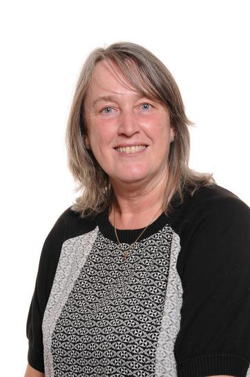 Mrs Fearnley - Year 5/6Teacher, Sports Leader