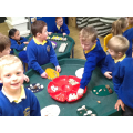 We designed patterns on eggs using natural items