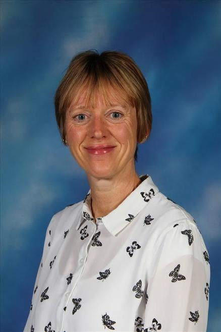 Mrs Sharon Hosker - Y5 Teaching Assistant