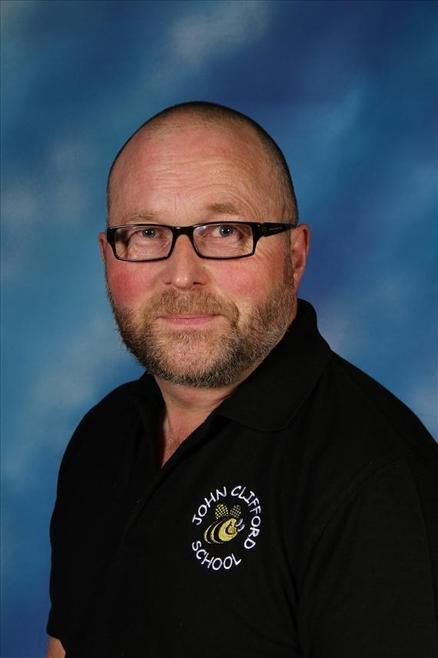 Mr Robert Barber - Y4 Teaching Assistant