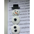A snowman that Isla and Amber created together!