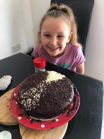 Madison baked her first cake with her Mum – Yummy!