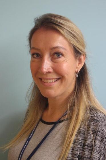 Mrs Saskia Driessen