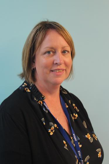 Mrs Nikki Steele
