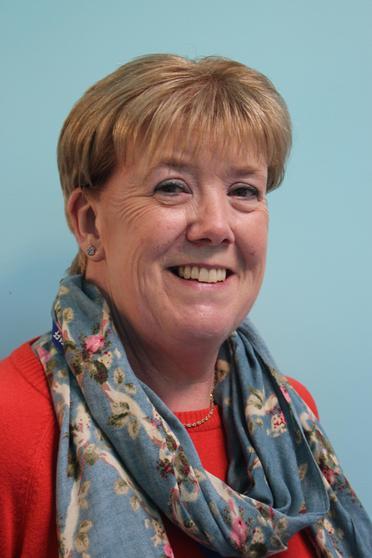 Mrs Sue Curtis