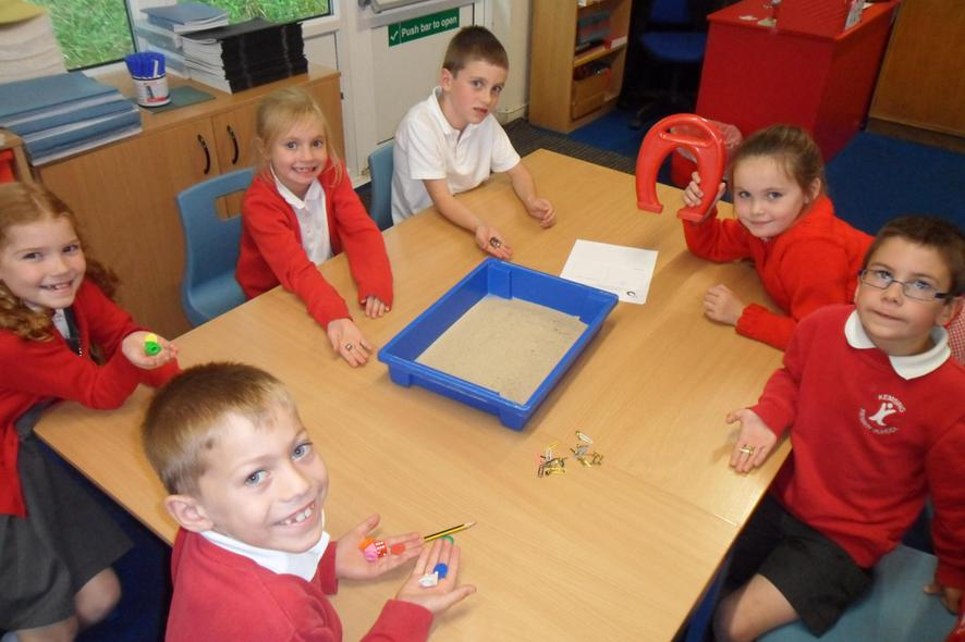 Sorting magnetic and non-magnetic materials