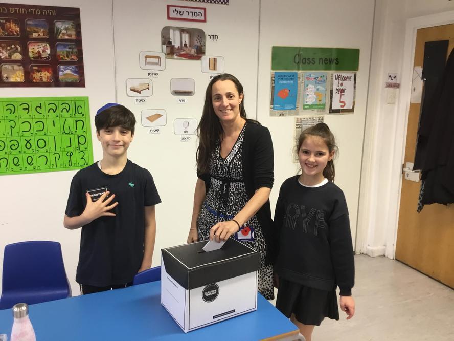 Ms Simon makes her vote.