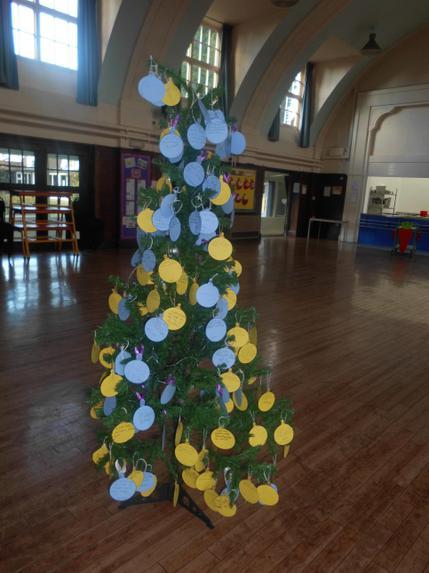 St Giles Christmas Wish Tree
