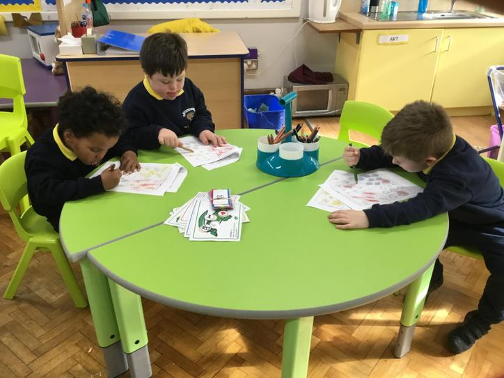 Nathanael, Harry & Elliott were finding and colouring in the biggest and smallest leaves