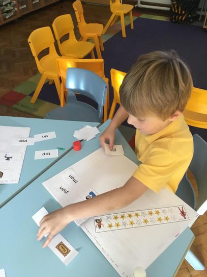Lucas was able to read the CVC word and choose the right picture between two