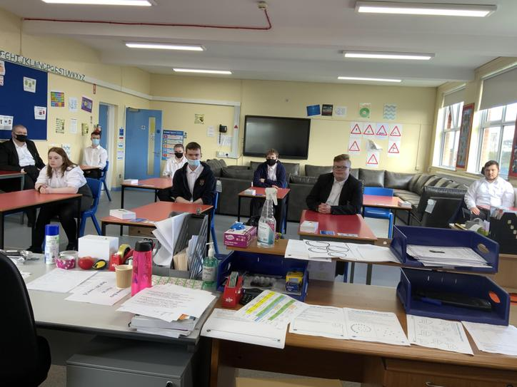 Social distancing classroom layout