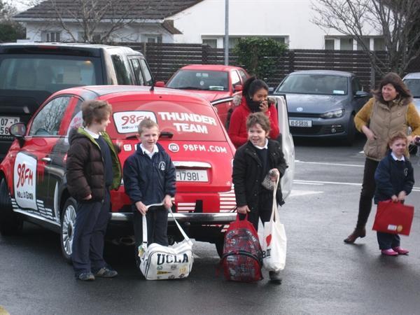 Sebi,Bruce and Dean beside the 98FM car