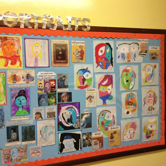 Portraits display board P4G