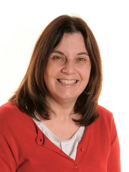 Mrs Claire Hilton-Briggs (Robins)