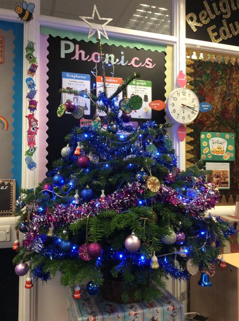 Look at our beautiful Christmas tree in Herons Class!