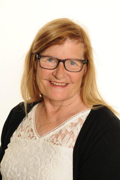 Mrs Fores TA / Senior Midday Supervisor