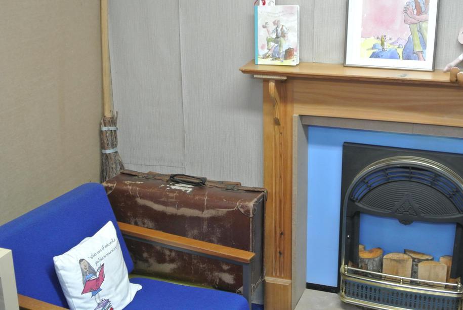Roald Dahl fireplace area