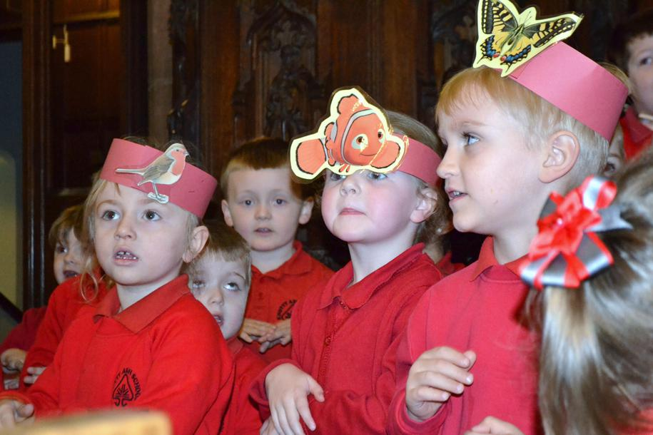 """Nursery perform """"If I were a butterfly"""""""