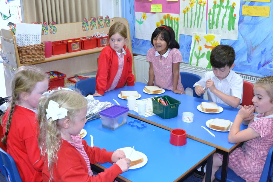 Y1 making marmalade sandwiches!