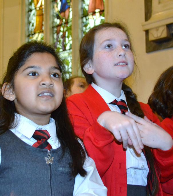 y4 singing and signing