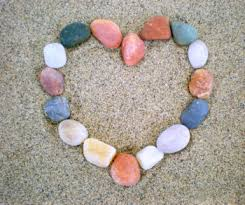 Make creations with pebbles