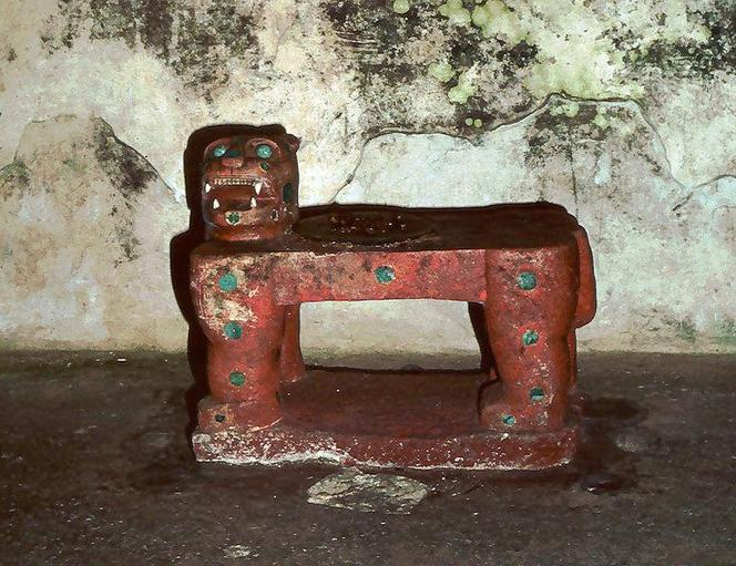 The jaguar throne in the shrine atop El Castillo