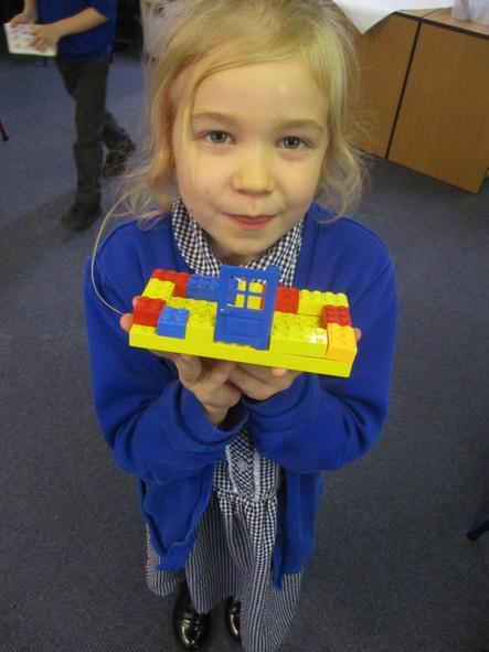 I made a primary colour building.