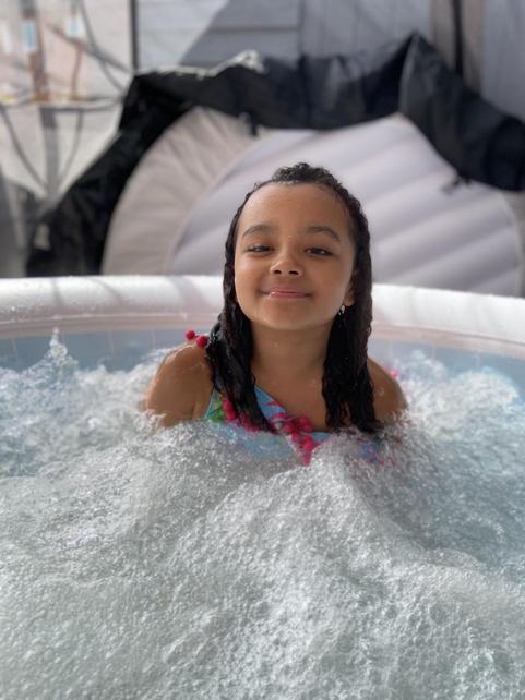 Sienna has a new hot tub!
