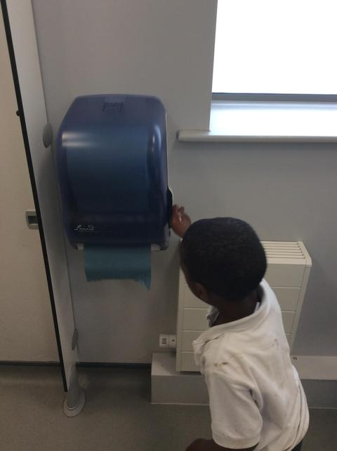 2 pumps to get the paper and dry hands!