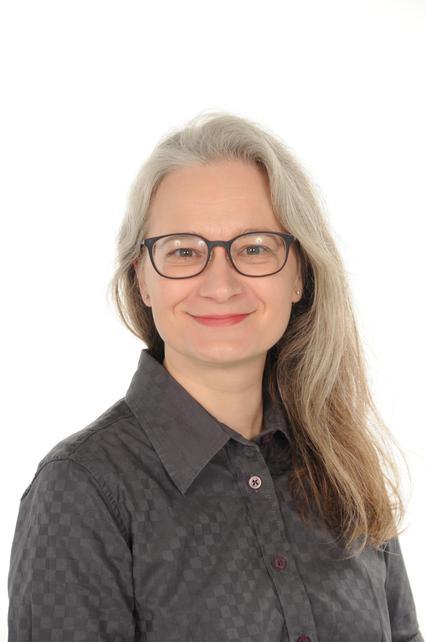 Helen Askham  Associate Member