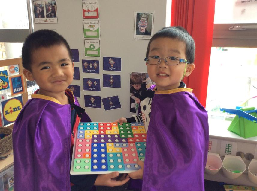 Completing a numicon puzzle together 😀
