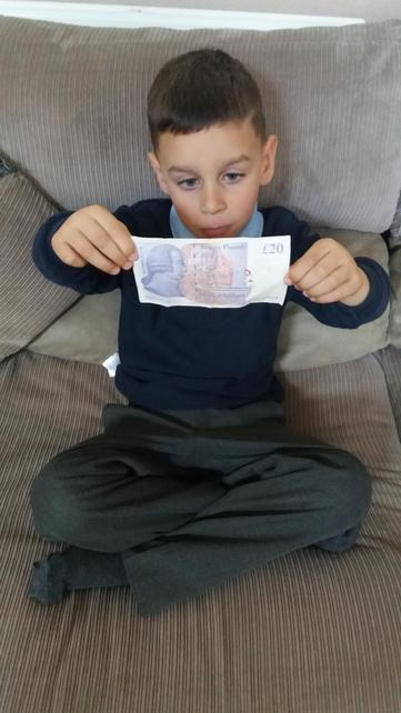 Shay counting his money and getting it right