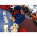 Learning how to read the time (o'clock)