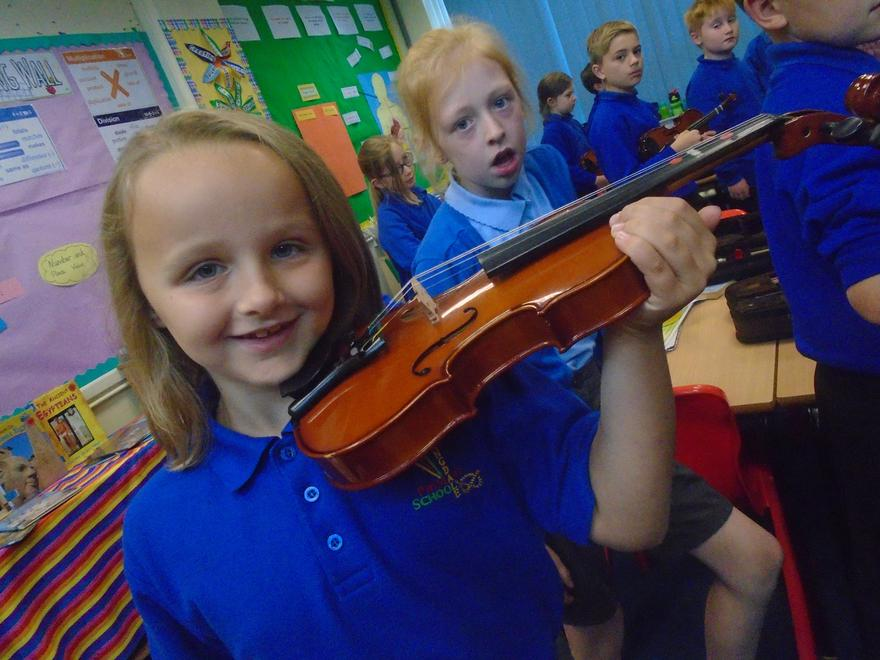 Violin Lessons in Year Four!