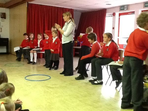 Class 3 get the school involved in their quiz too.