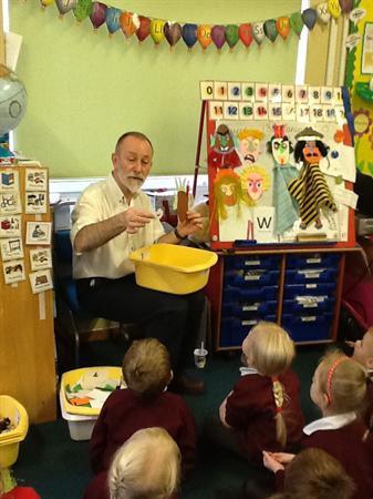 Puppet workshop with Professor Pop Up