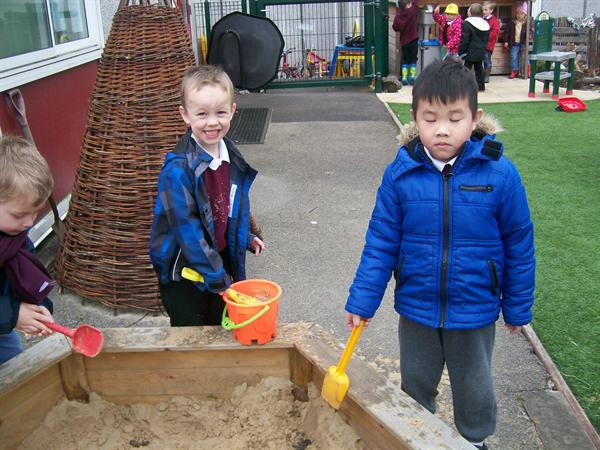 everybody helped to empty the sand pit. Thank you.