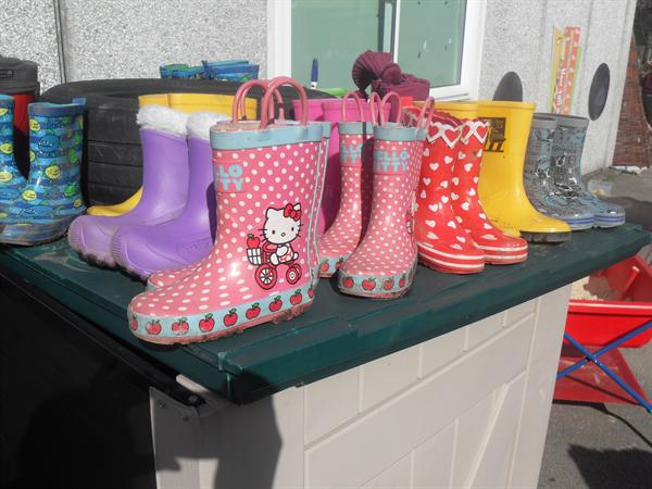 look how clean our wellies are!