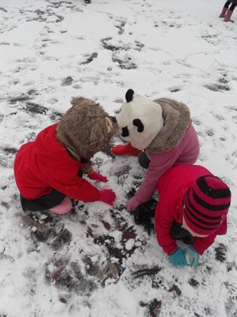 Let's build a snowman